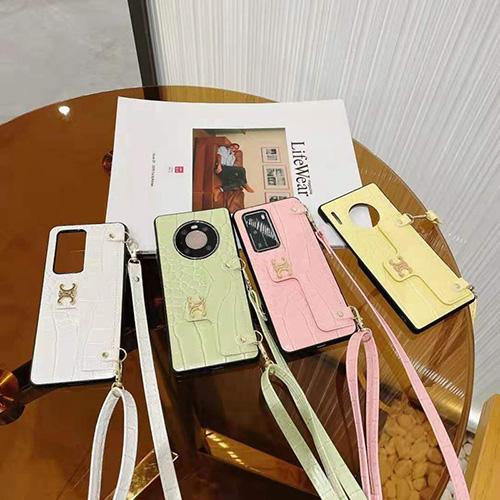 Celineセリースブランド新品iphone 13/12 mini/12 pro/12/12pro maxスマホケース ポケット付き 3D立体メタルロゴ お洒落アイフォンHUAWEI mate40 mate30 ケースベルト付き可愛いアイドル愛用レディース チェーン付きケース