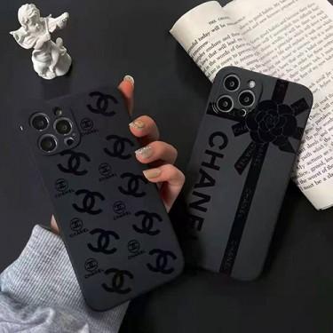 シャネル ブランド 黒色 iphone13/12s/12 pro max/11 pro max/xr ケース 個性スタイル iphone 12Pro /11pro/xs max/8 plus シリコンケース Chanel プリント シンプル 高級 おしゃれ アイフォン 12mini /11/xs/ max/7 plus/8 ケース ファッション メンズ レディース 人気