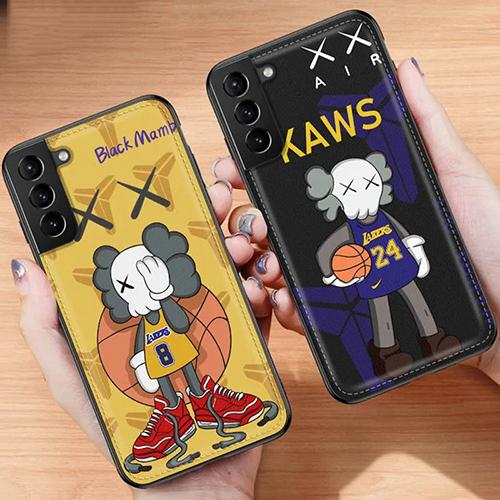 KAWS ブランド iphone 12/12 pro max/11/11 pro/11 pro max/se2ケース 個性 運動風 カウズ柄 ジョーダン Galaxy S21/S21+/S21 ultra/s20/s20+/s20 ultra/s10/Note20 コンビネーション kobe ブラックマンバ iPhone 12 pro/12 miniケース シリコンケース レザー 四角ヒット防止  耐衝撃 アイフォンX/XS/XR/XS MAX/8/7/6カバー メンズ レディーズ