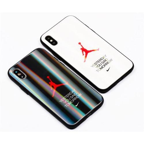 Nike ブランド 全機種対応 Air Jordan 背面ガラス AQUOS Zero5G Basic/R5G/sense4ケース ジャケット型 ナイキ ジョーダン iphone 12/12mini/12pro/12pro max/11 pro maxケース きらきら xperia 1 II/5ii/10iiiケース モノグラム Galaxy S20/S20 ultra/a51/a30/note20/note20 ultraケース ins風 シンプル huawei p40 シンプル レディース