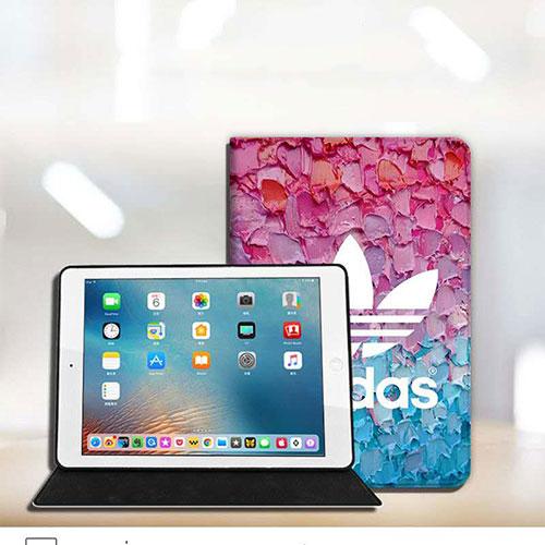 アディダス ipad pro 2021/8/air4 12.9/11inchesケース ブランド Adidas トレフォイル柄 iPad mini 4/5カバー ipad 5/6 9.7インチ 2020 激安 全機種対応 モノグラム ダミエ アイパッド 6/5/4/3/2ケース 手帳型アイパッド プロ2020ケース 激安 オーダーメイド メンズ レディース