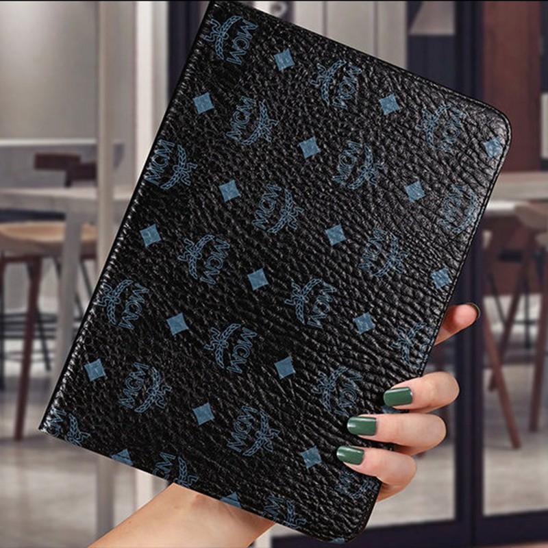 コーチCoachエムシーエムMCMブランドipad pro 2021カバー 茶黒色 手帳型 革アイパッド air4 mini/4/5/7/8 2020 全機種対応 激安 モノグラム パロディ